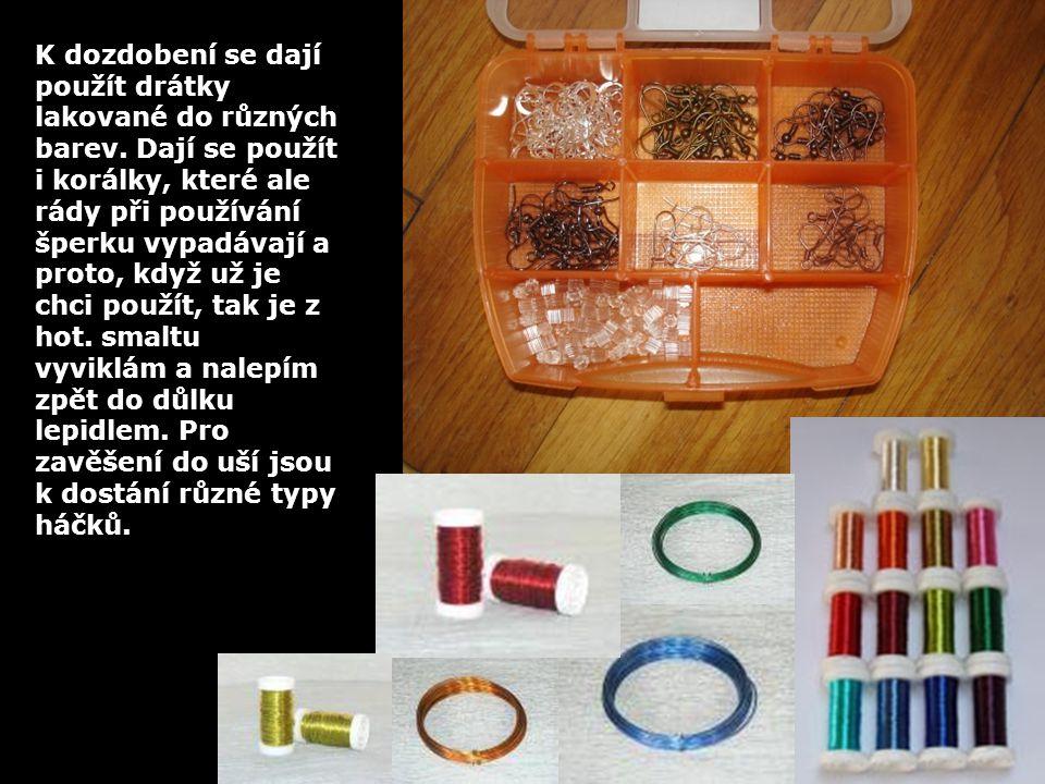 K dozdobení se dají použít drátky lakované do různých barev