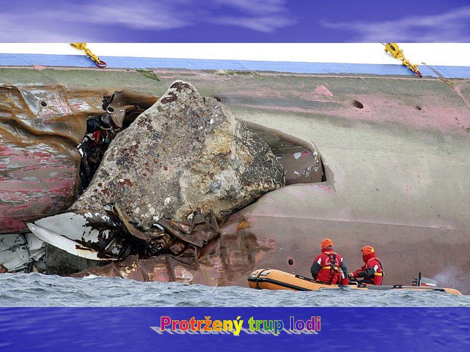 Protržený trup lodi