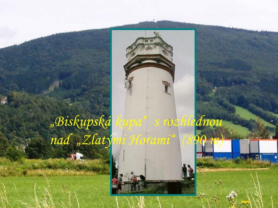 """""""Biskupská kupa s rozhlednou nad """"Zlatými Horami (890 m)"""