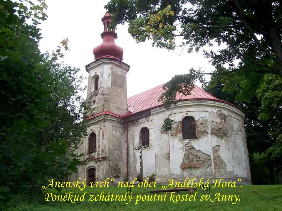 """Karlovice """"Kosárna ze 17. století Alej z obce """"Andělská Hora"""
