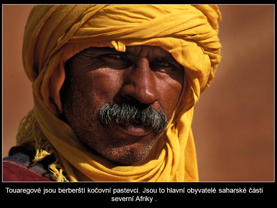 Touaregové jsou berberští kočovní pastevci