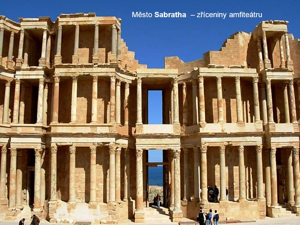 Město Sabratha – zříceniny amfiteátru