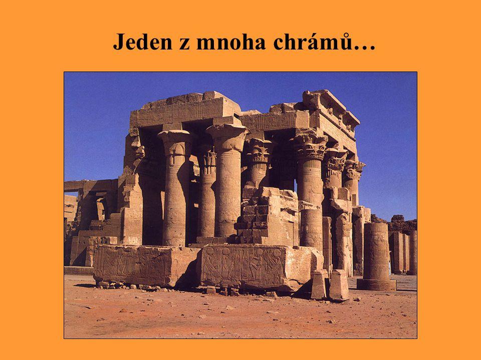 Jeden z mnoha chrámů…