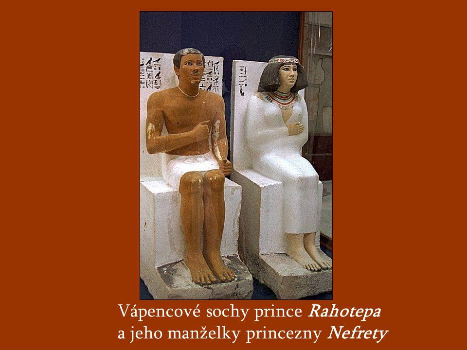 Vápencové sochy prince Rahotepa