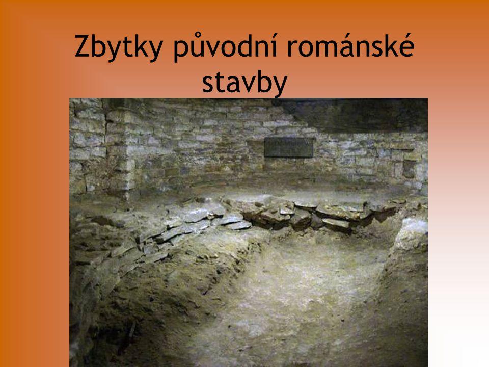 Zbytky původní románské stavby
