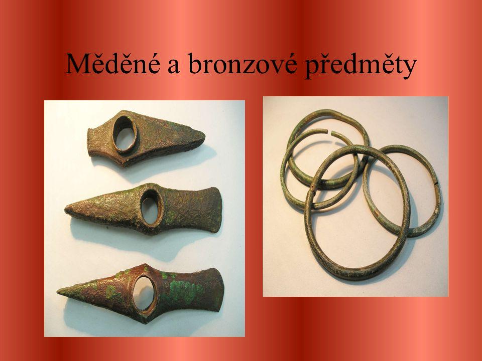 Měděné a bronzové předměty