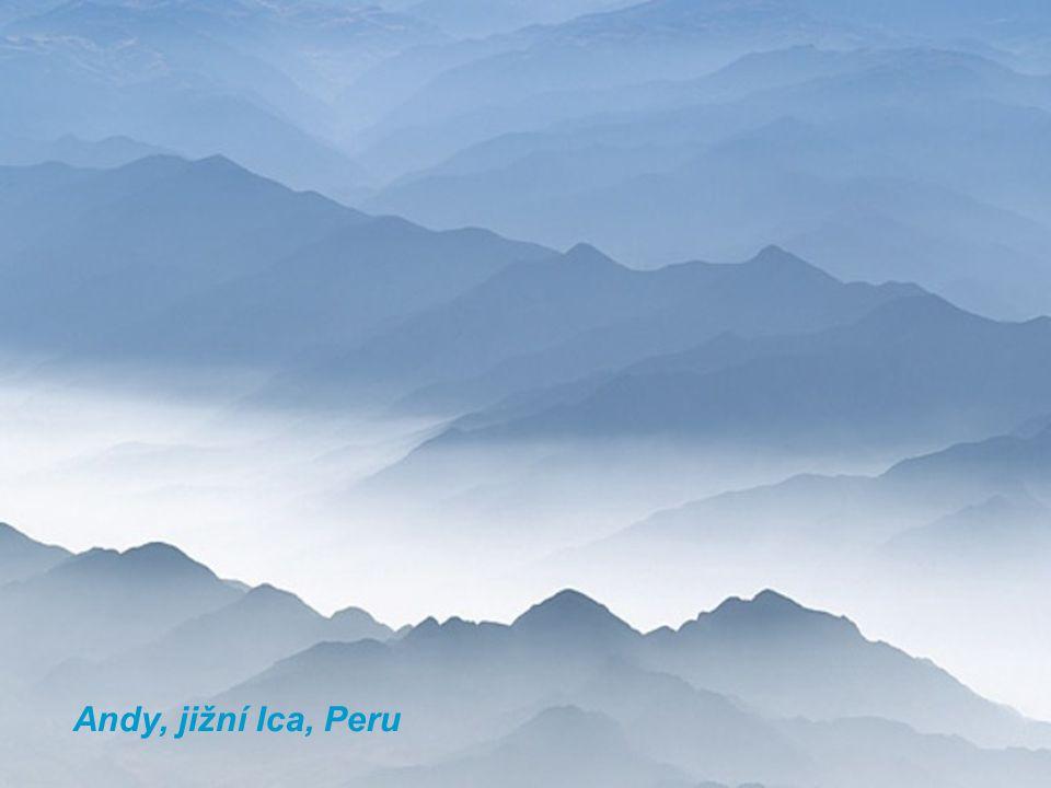 Andy, jižní Ica, Peru