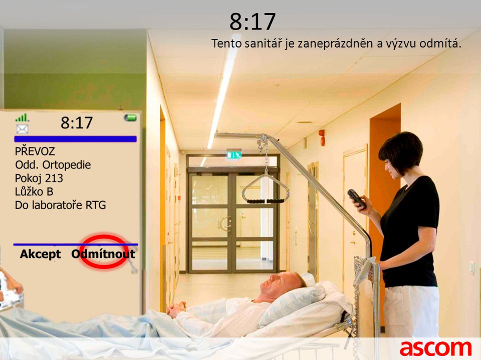 8:17 Tento sanitář je zaneprázdněn a výzvu odmítá.