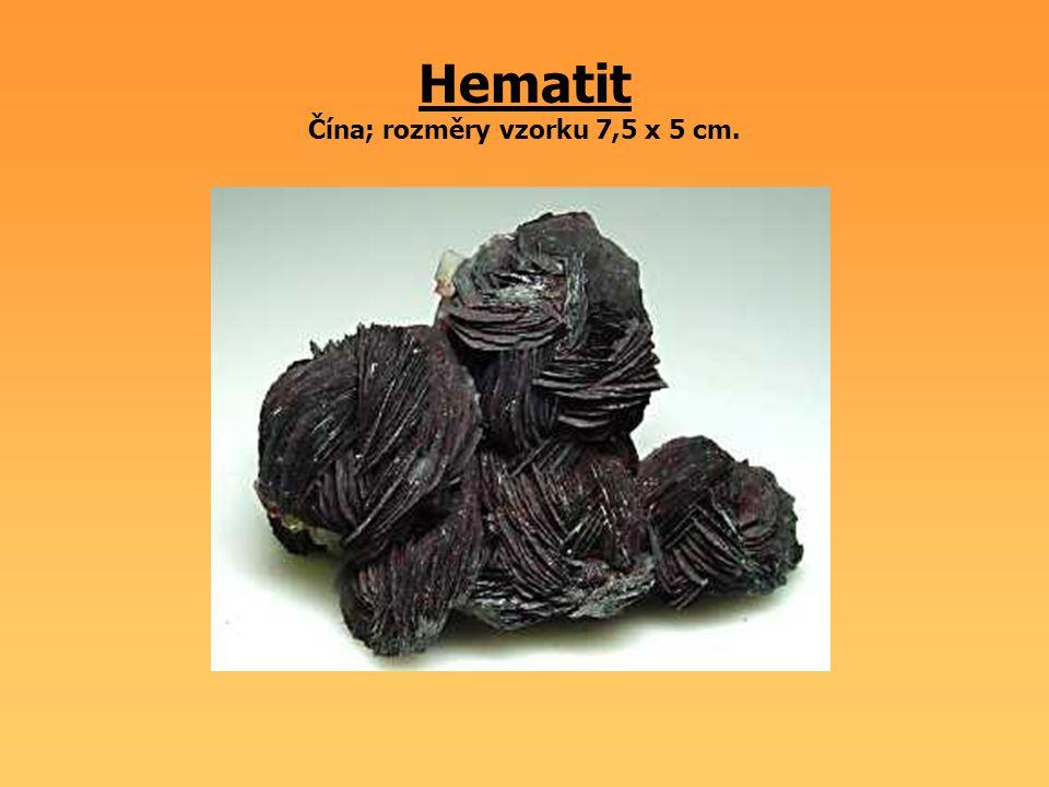 Hematit Čína; rozměry vzorku 7,5 x 5 cm.