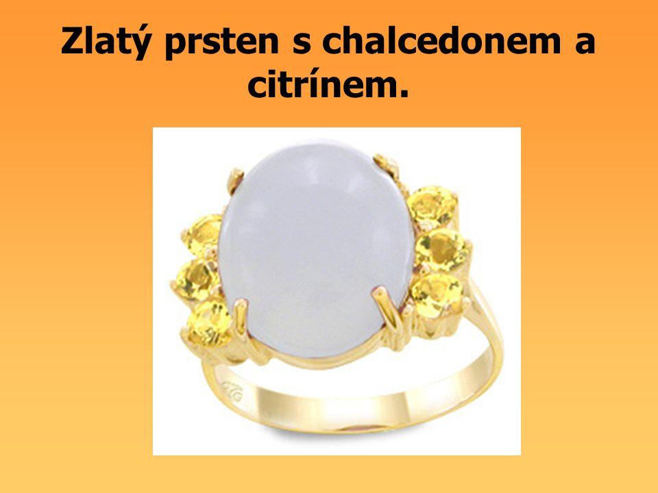 Zlatý prsten s chalcedonem a citrínem.