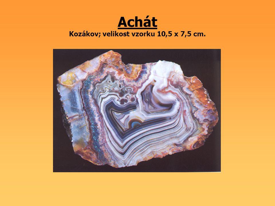 Achát Kozákov; velikost vzorku 10,5 x 7,5 cm.