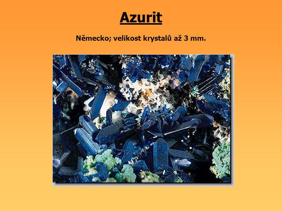 Azurit Německo; velikost krystalů až 3 mm.