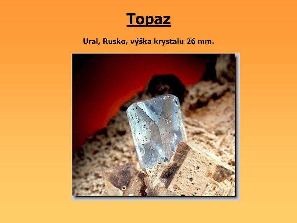 Topaz Ural, Rusko, výška krystalu 26 mm.