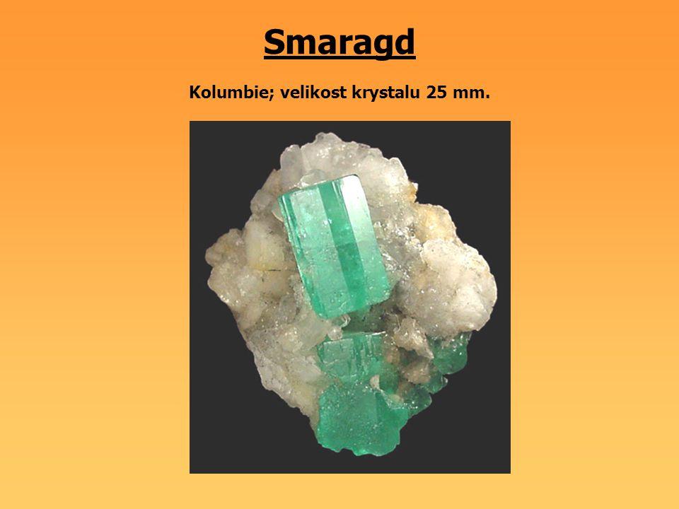Smaragd Kolumbie; velikost krystalu 25 mm.