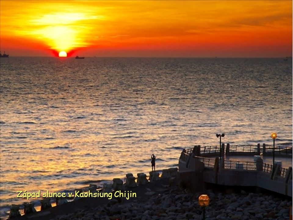 Západ slunce v Kaohsiung Chijin