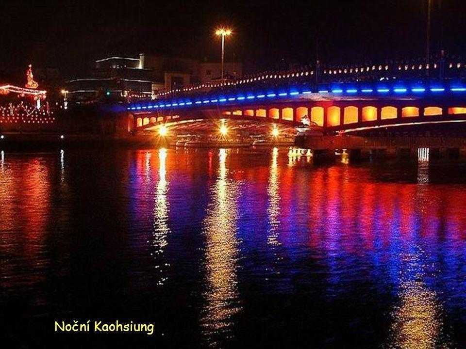 Noční Kaohsiung
