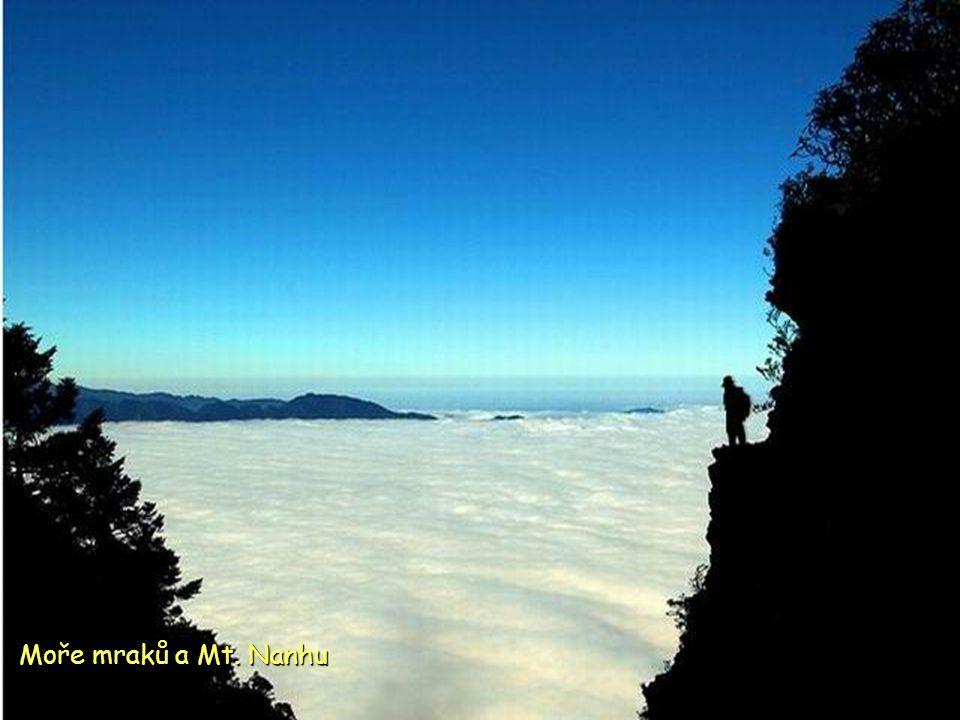 Moře mraků a Mt. Nanhu