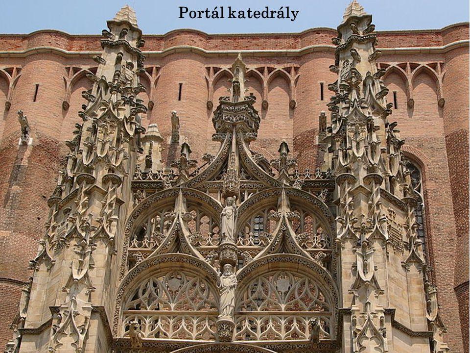 Portál katedrály