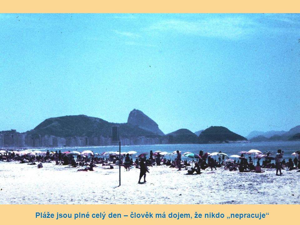 """Pláže jsou plné celý den – člověk má dojem, že nikdo """"nepracuje"""