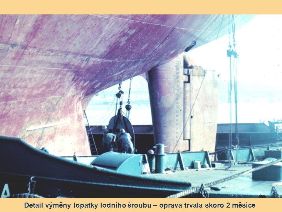 Detail výměny lopatky lodního šroubu – oprava trvala skoro 2 měsíce