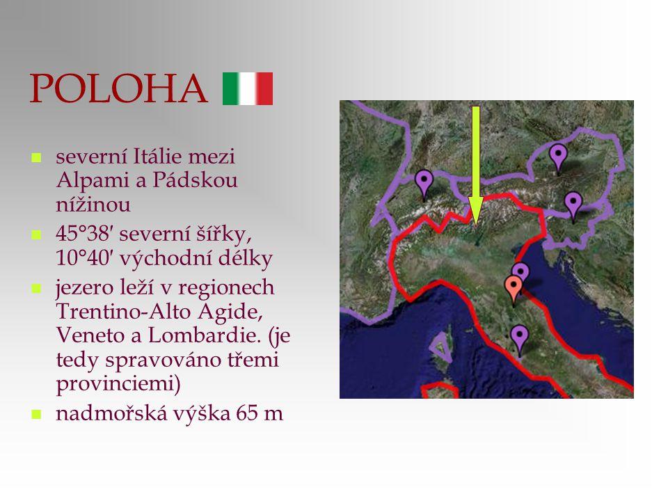 POLOHA severní Itálie mezi Alpami a Pádskou nížinou