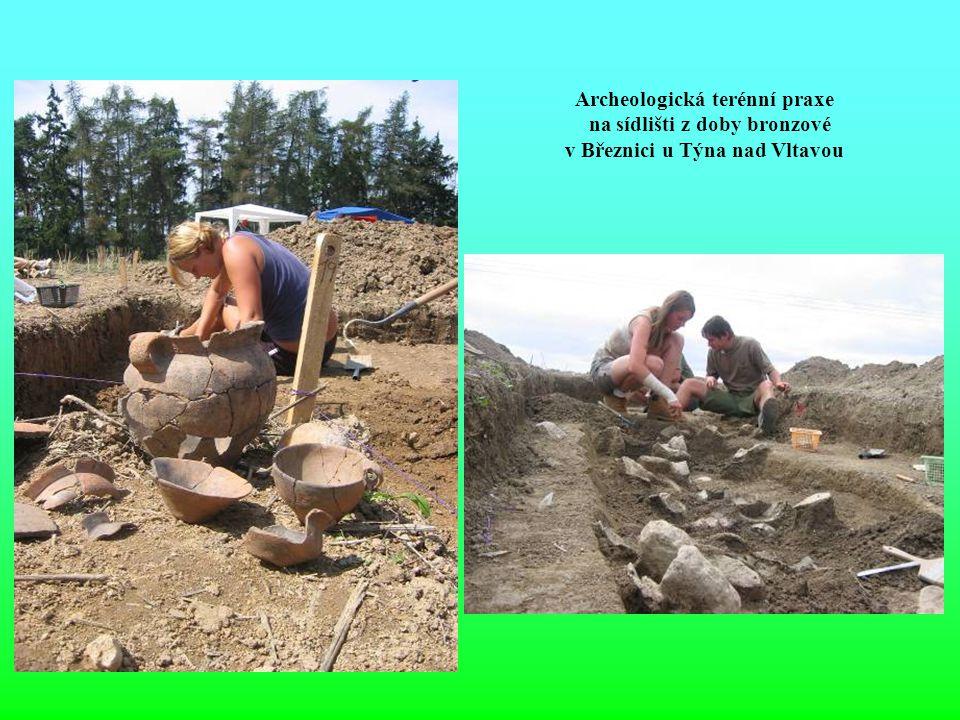 Archeologická terénní praxe na sídlišti z doby bronzové
