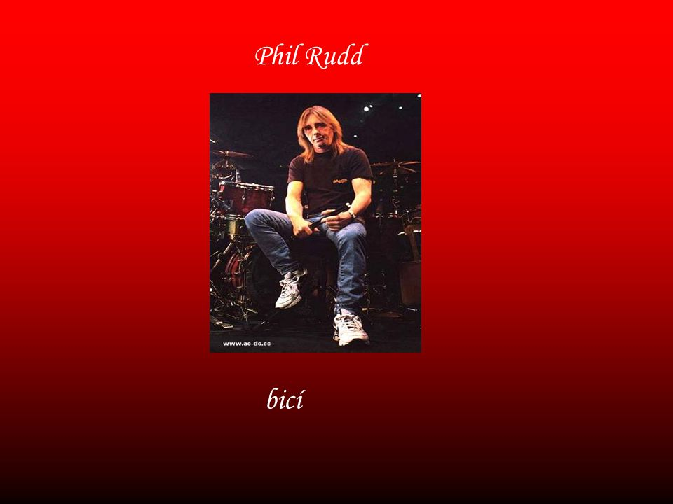 Phil Rudd bicí