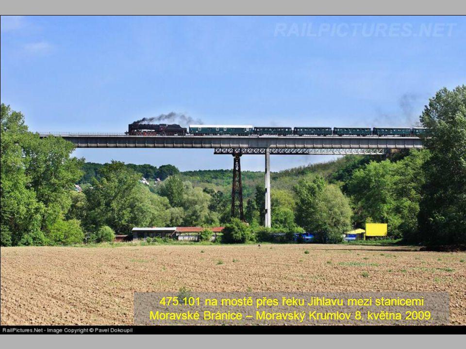 475.101 na mostě přes řeku Jihlavu mezi stanicemi Moravské Bránice – Moravský Krumlov 8.