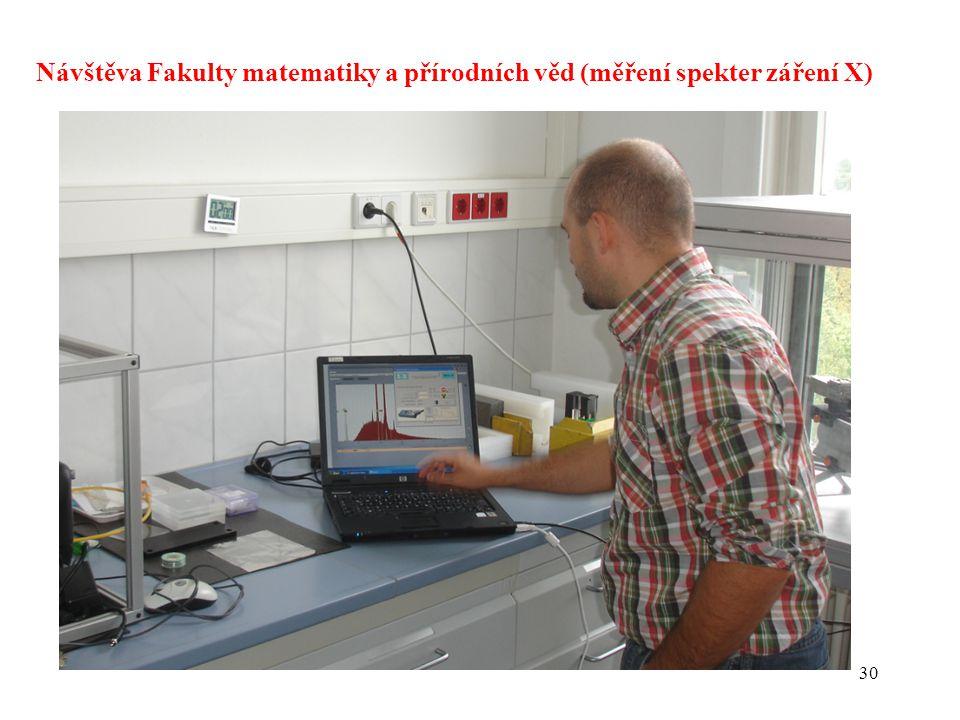 Návštěva Fakulty matematiky a přírodních věd (měření spekter záření X)