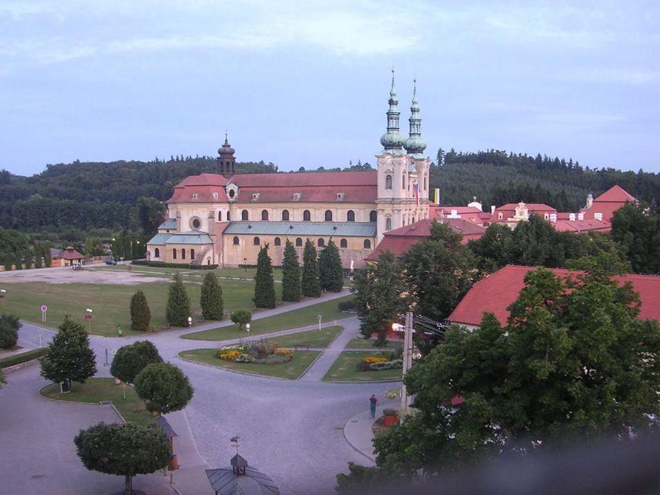 Velehrad leží v blízkosti města Uherské Hradiště na jihozápadě Zlínského kraje. Z vykopávek je zřejmé, že v době velkomoravské říše existovalo v tomto prostoru důležité středisko politické a církevní správy, které se nazývalo Veligrad. Kde přesně ležel, nevíme. S dnešním Velehradem, kde stojí známá bazilika z doby barokní, byl velkomoravský Veligrad spojován od středověku.