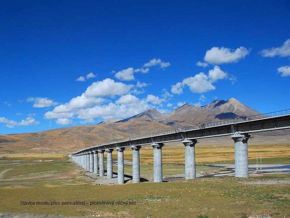 Stavba mostu přes permafrost – proměnlivý věčný led..