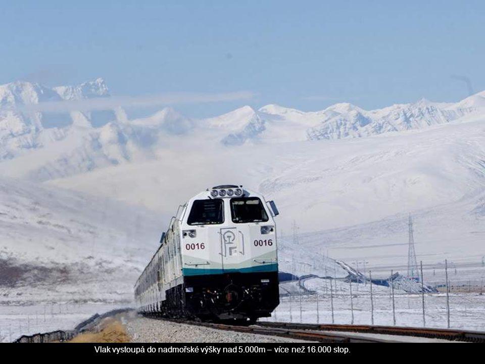 Vlak vystoupá do nadmořské výšky nad 5.000m – více než 16.000 stop.
