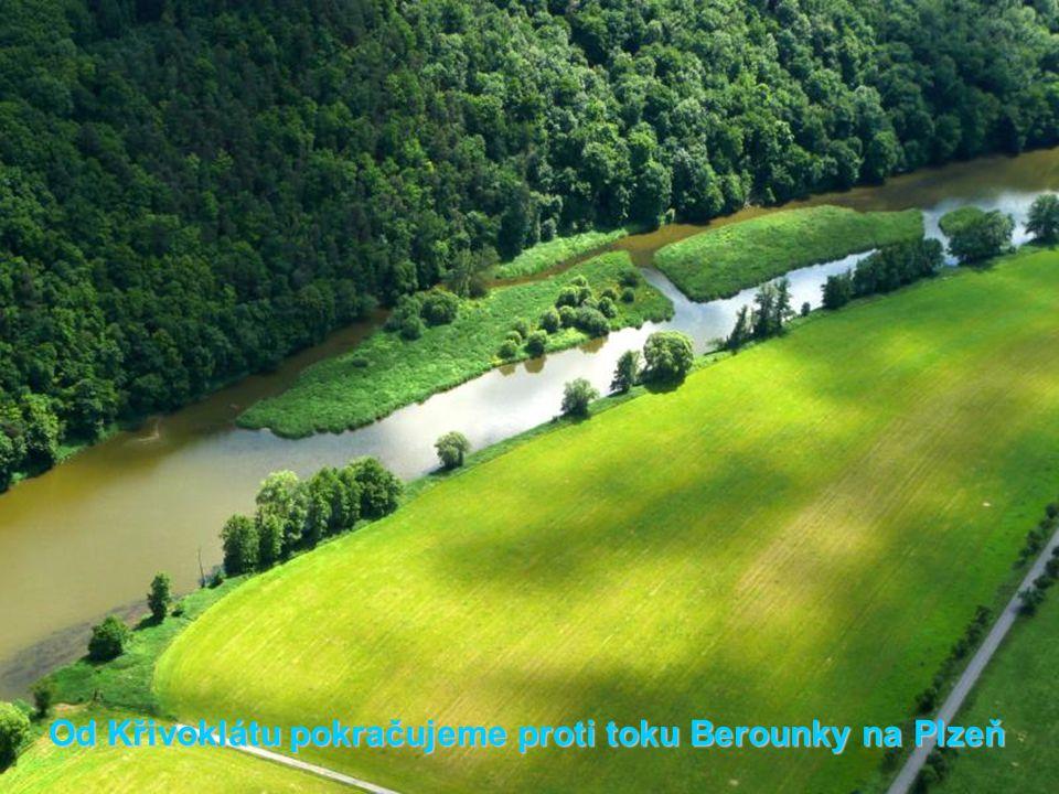 Od Křivoklátu pokračujeme proti toku Berounky na Plzeň