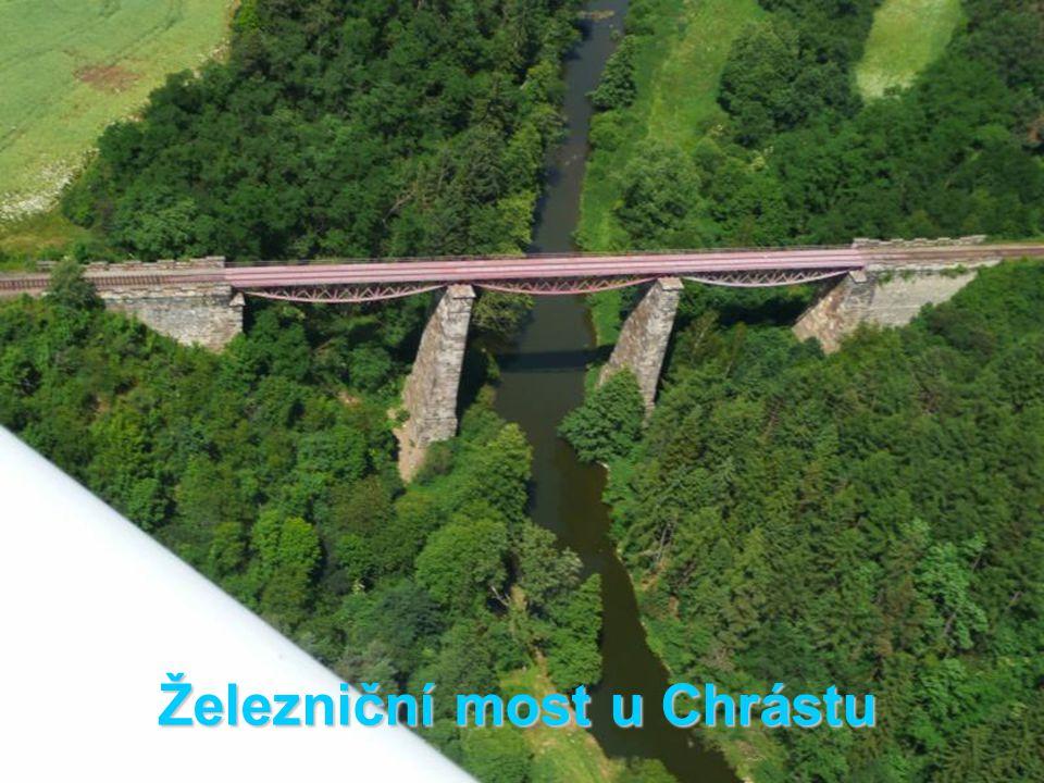 Železniční most u Chrástu