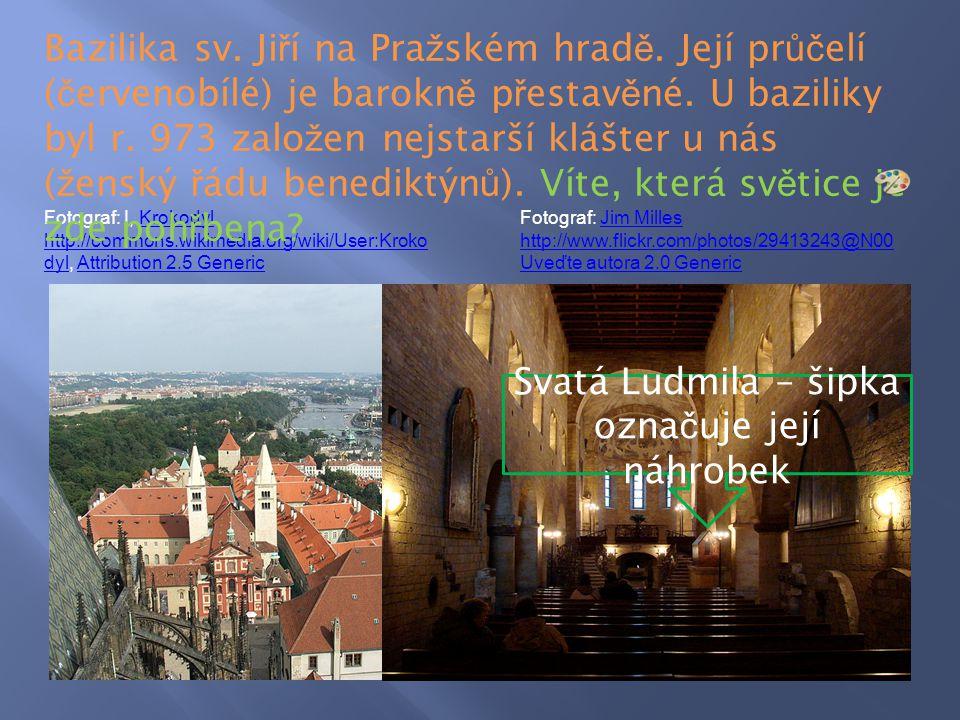 Svatá Ludmila – šipka označuje její náhrobek