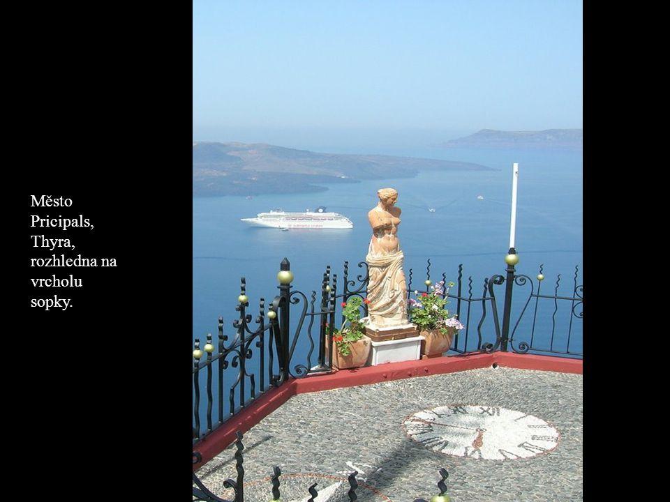 Město Pricipals, Thyra, rozhledna na vrcholu sopky.