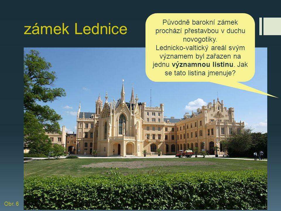 Původně barokní zámek prochází přestavbou v duchu novogotiky.