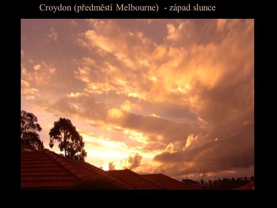 Croydon (předměstí Melbourne) - západ slunce