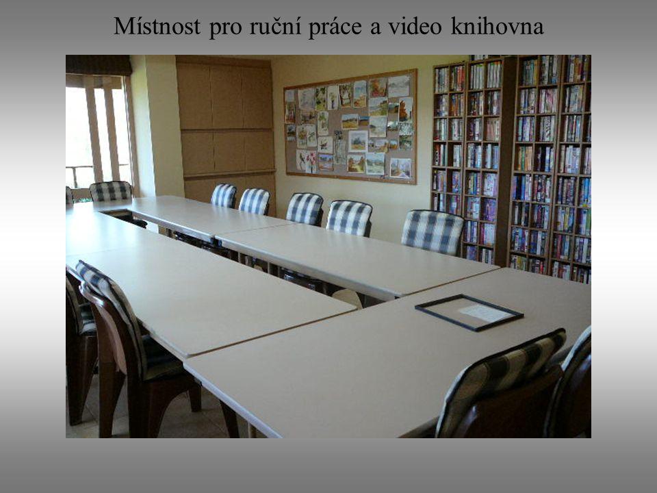 Místnost pro ruční práce a video knihovna
