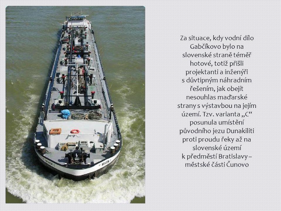Za situace, kdy vodní dílo Gabčíkovo bylo na slovenské straně téměř hotové, totiž přišli projektanti a inženýři s důvtipným náhradním řešením, jak obejít nesouhlas maďarské strany s výstavbou na jejím území.