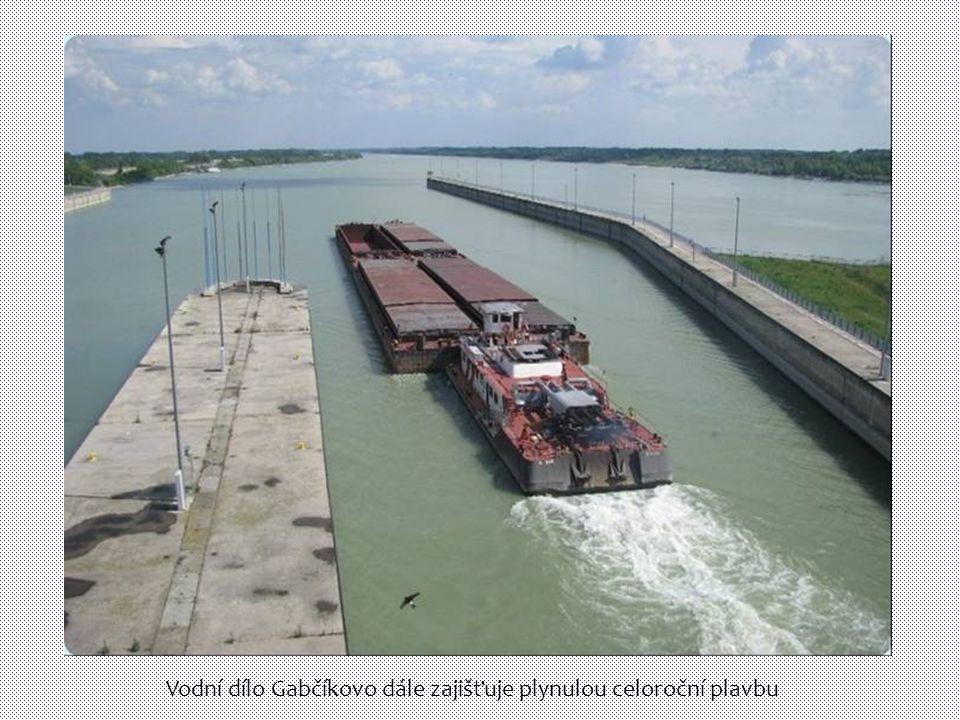 Vodní dílo Gabčíkovo dále zajišťuje plynulou celoroční plavbu