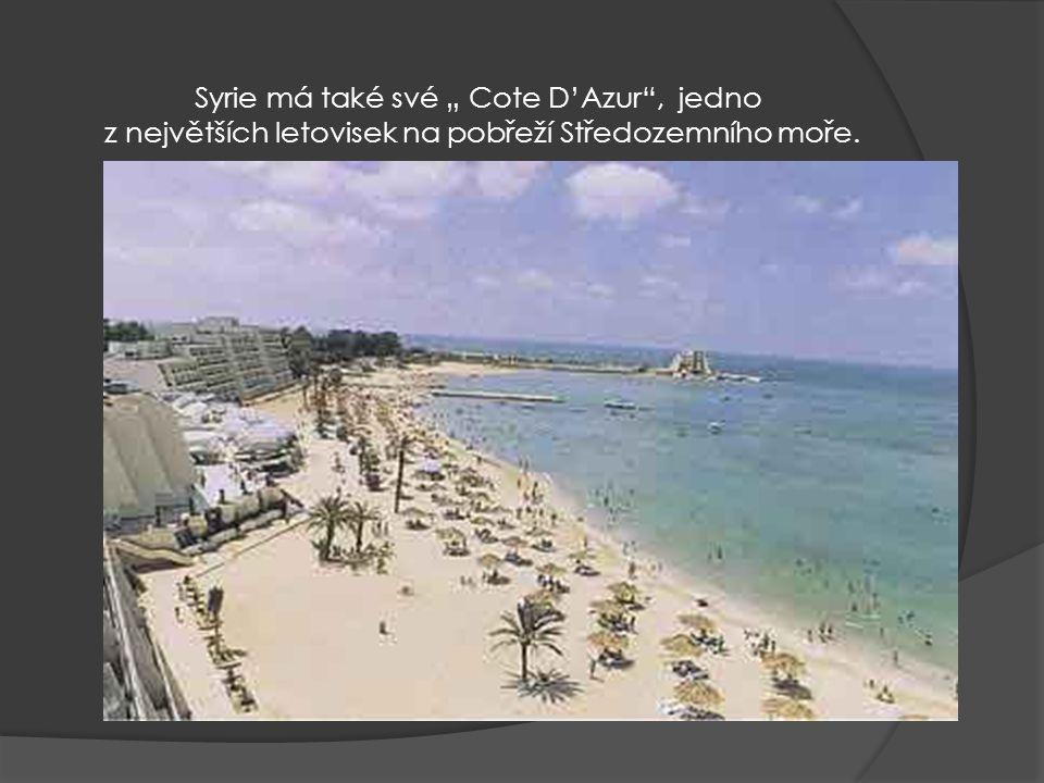 """Syrie má také své """" Cote D'Azur , jedno z největších letovisek na pobřeží Středozemního moře."""