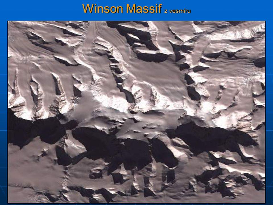 Winson Massif z vesmíru