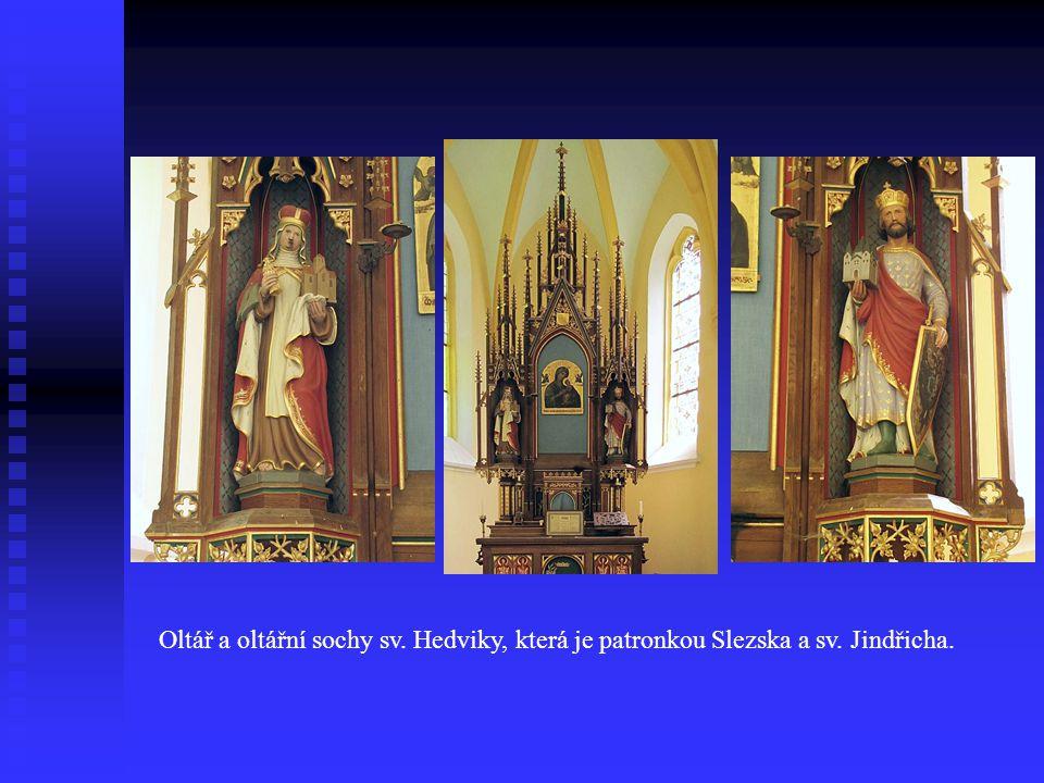 Oltář a oltářní sochy sv. Hedviky, která je patronkou Slezska a sv