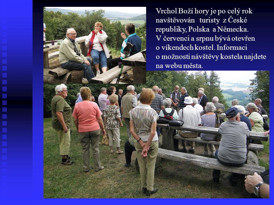 Vrchol Boží hory je po celý rok navštěvován turisty z České republiky, Polska a Německa.
