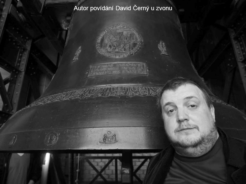 Autor povídání David Černý u zvonu