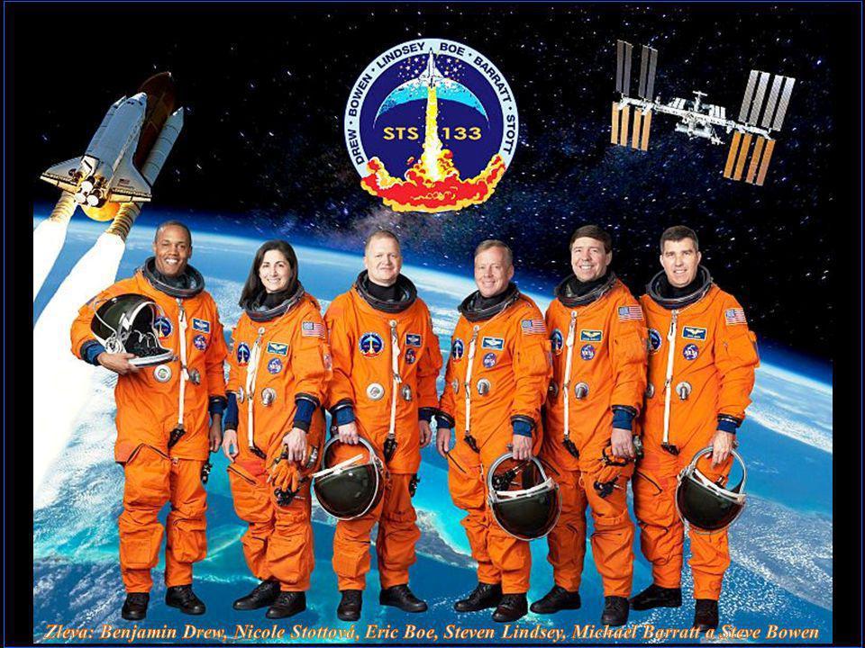 Zleva: Benjamin Drew, Nicole Stottová, Eric Boe, Steven Lindsey, Michael Barratt a Steve Bowen