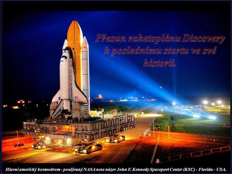 Přesun raketoplánu Discovery k poslednímu startu ve své historii.