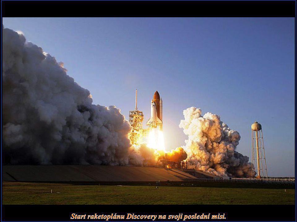 Start raketoplánu Discovery na svoji poslední misi.