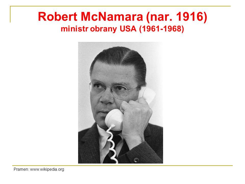 Robert McNamara (nar. 1916) ministr obrany USA (1961-1968)